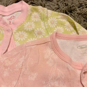 Old Navy + Carter's Button Down Sleeper 0-3